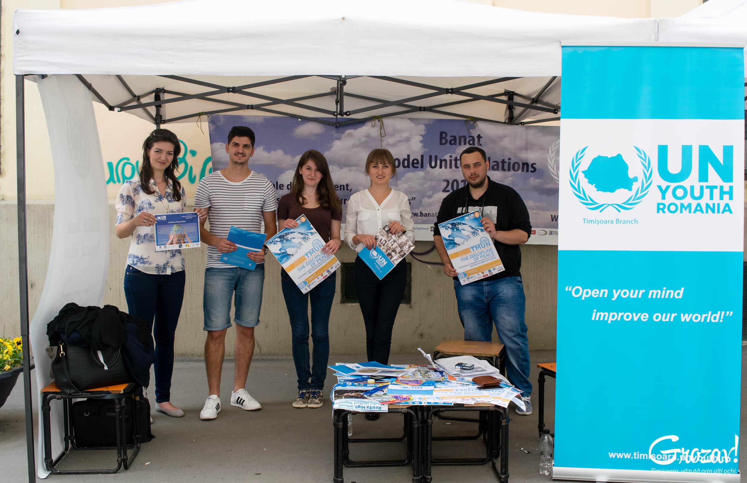 Tineretul ONU Targul ONG-urilor grozav
