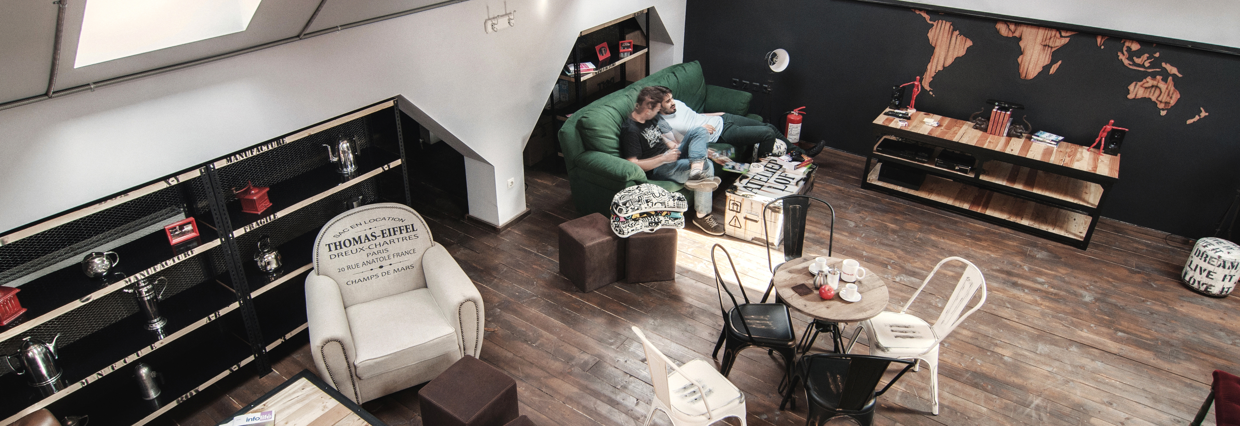 timisoara-espresoh-attic-open-space-coffe-shop-office-people