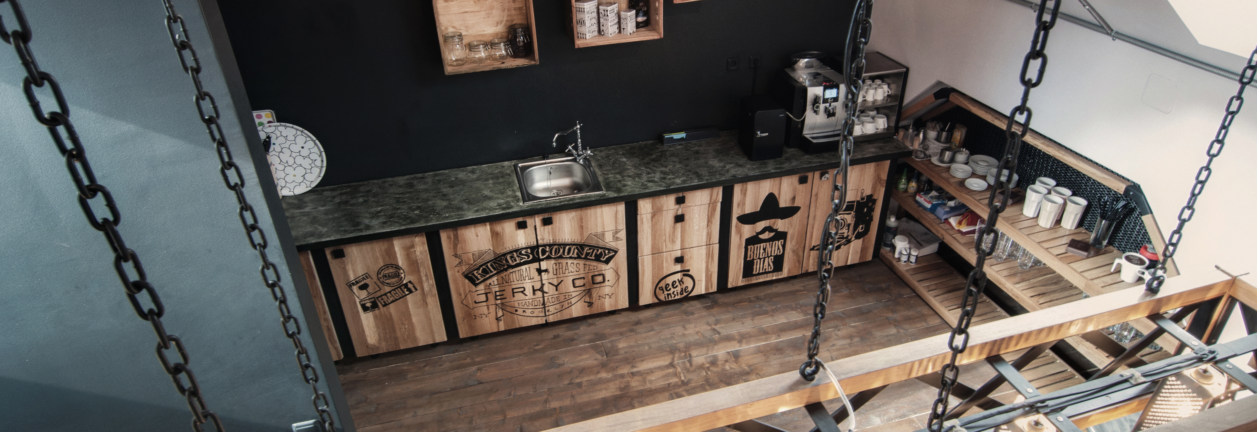 timisoara-espresoh-attic-open-space-coffe-shop-office-the-bar